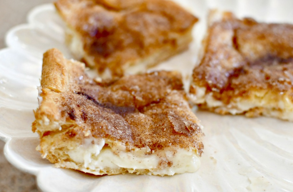 sugar and cinnamon cream cheese squares