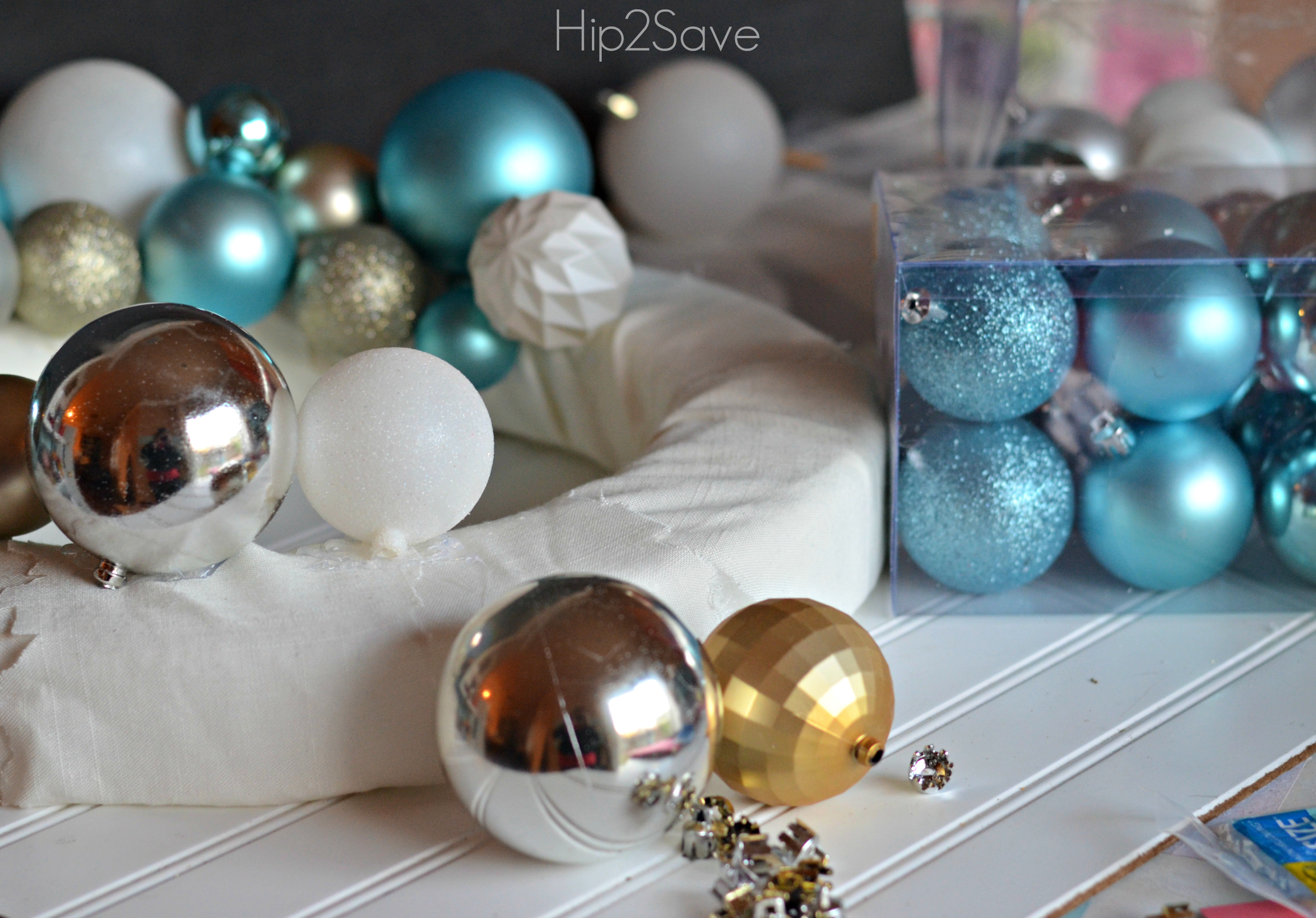 ornament wreath tutorial Hip2Save