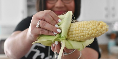 Corn on the Cob: How to Husk and Cook Corn in Under 5 Minutes