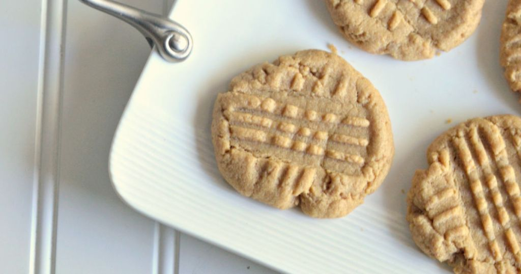 Gluten-Free Peanut Butter Cookies (3 Ingredients) ~ Hip 2 Save