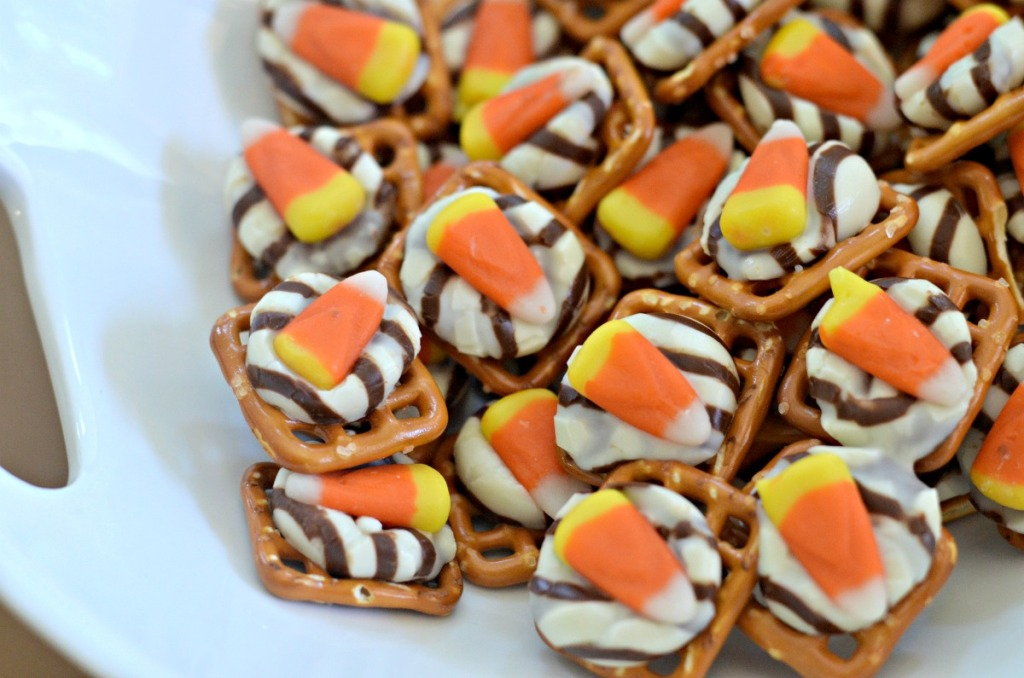 easy recipe for candy corn hugs