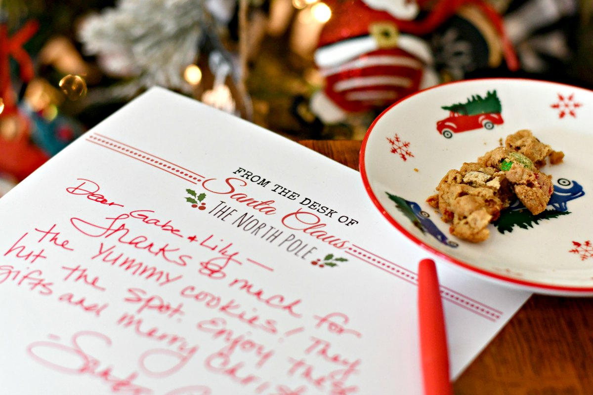 official letterhead and gifts tags from santa claus (free printables) – Letter from Santa with partially eaten cookie