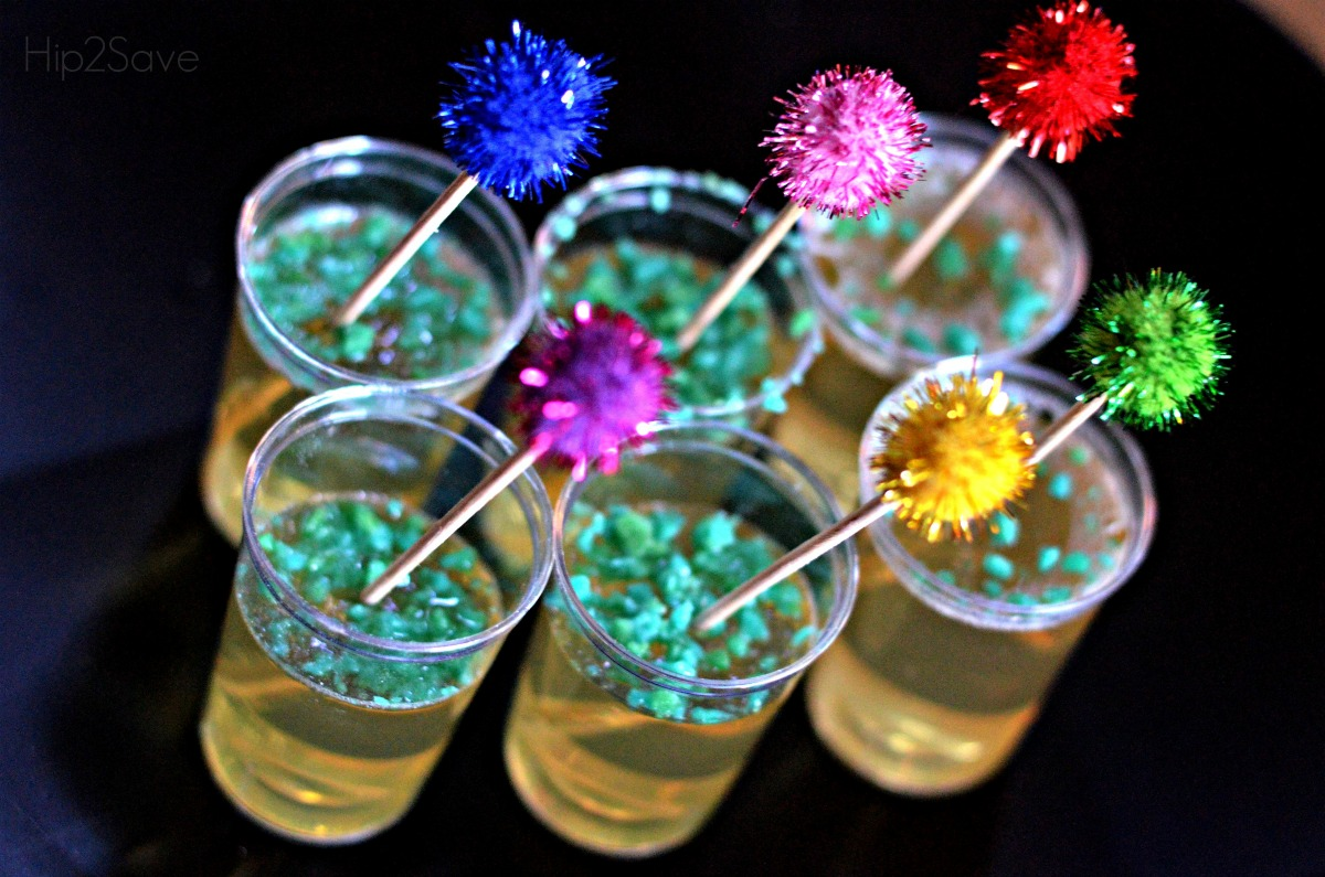 champagne jell-o shots new years eve treat – closeup