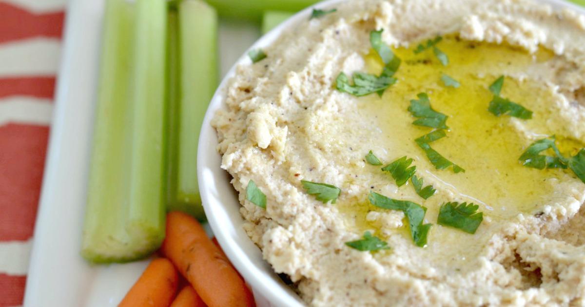 keto cauliflower hummus in a bowl
