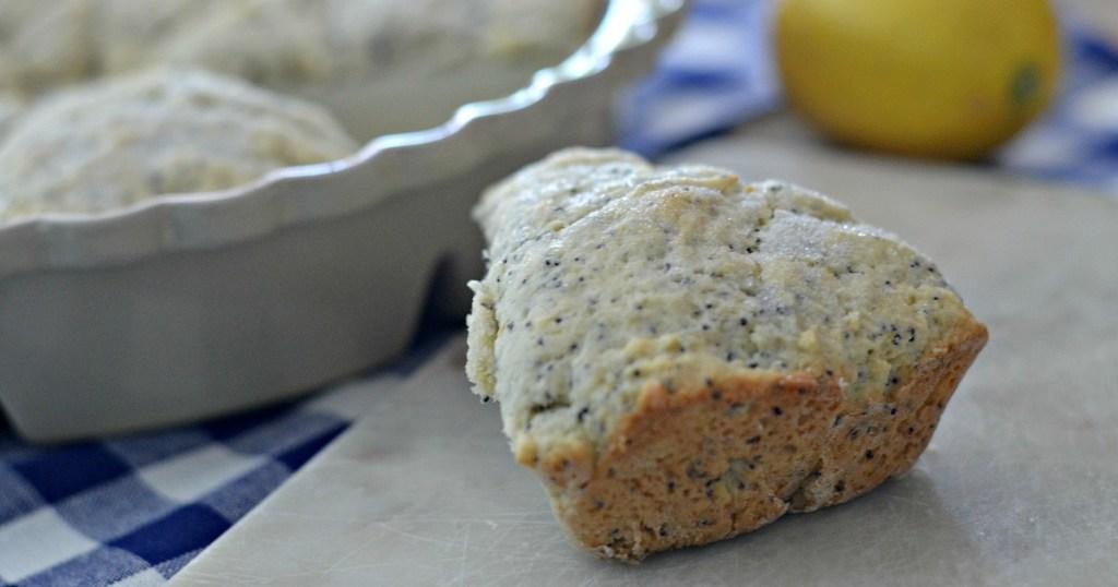 easy lemon poppyseed scones