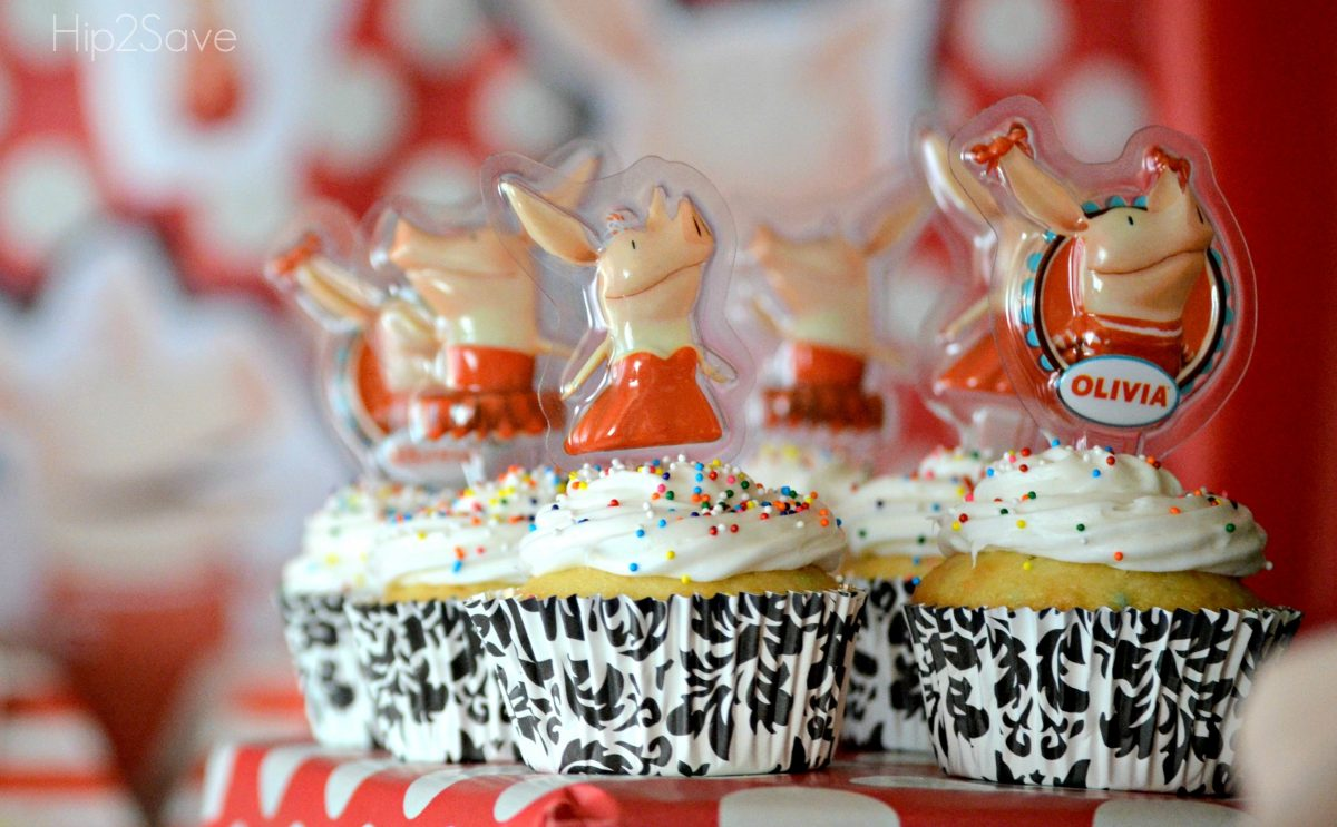 make your own cupcakes with toppers Hip2Save