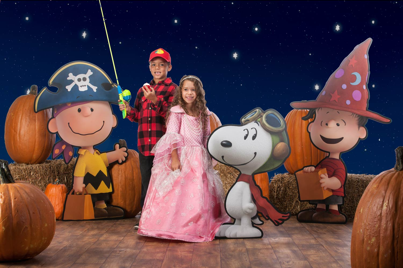 Halloween freebies and deals – Bass Pro Shop kids in costume