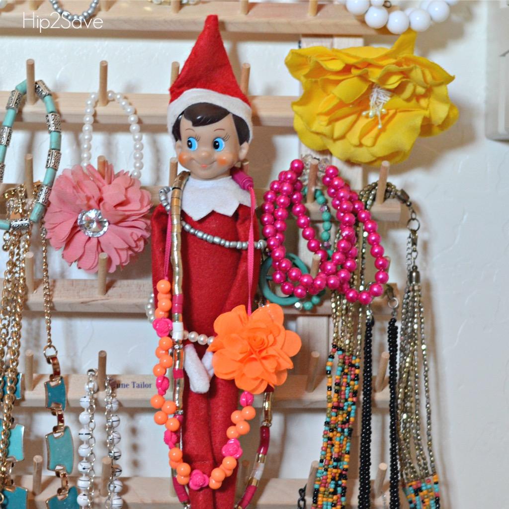 elf-on-the-shelf-hiding-in-jewelry