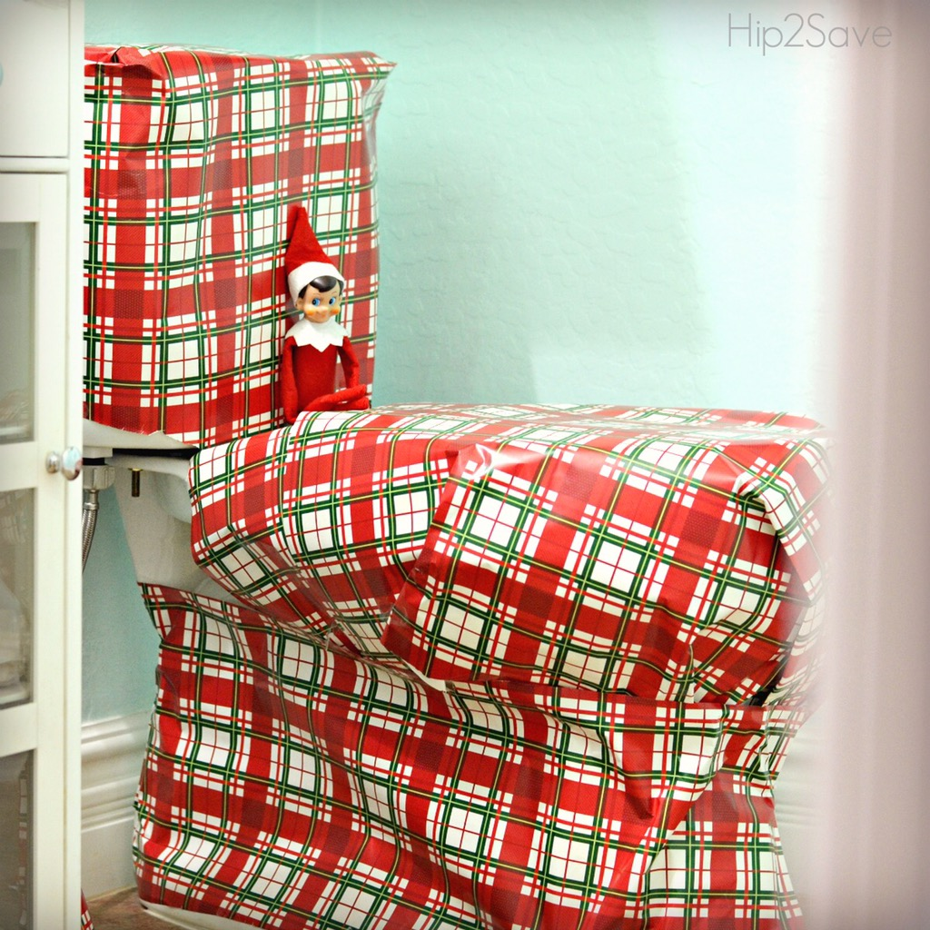 elf-on-the-shelf-wrapping-the-toilet