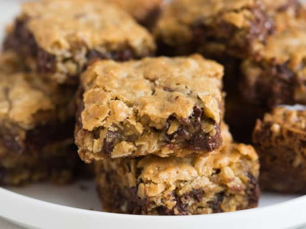 chocolate chip cookie bars on plate