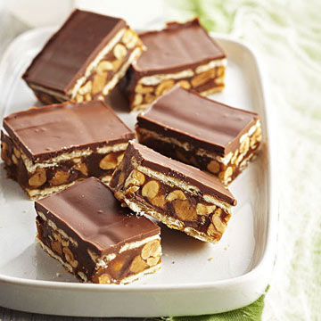 Salted Caramel Chocolate and Peanut Cracker Stack Bars