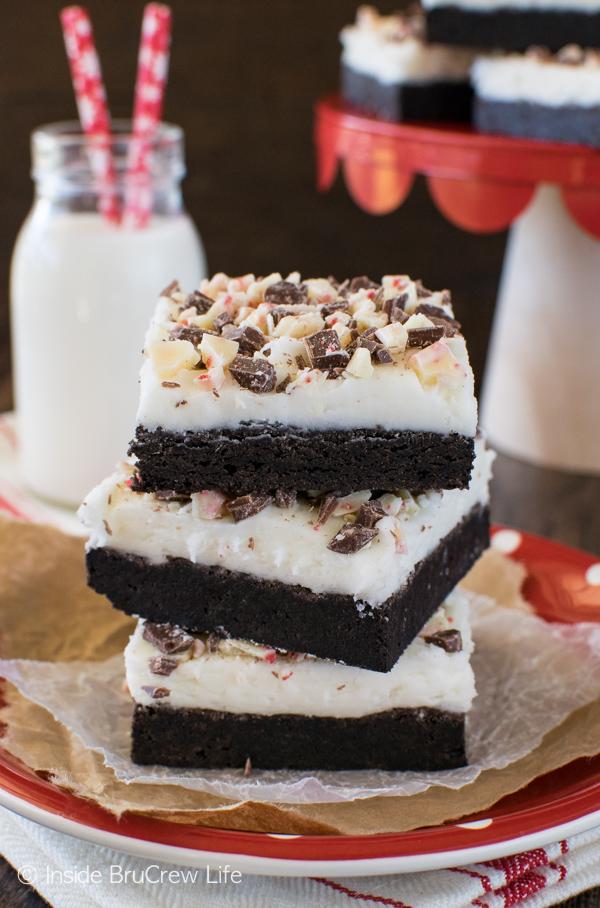 chocolate-peppermint-bark-sugar-cookie-bars-2-1