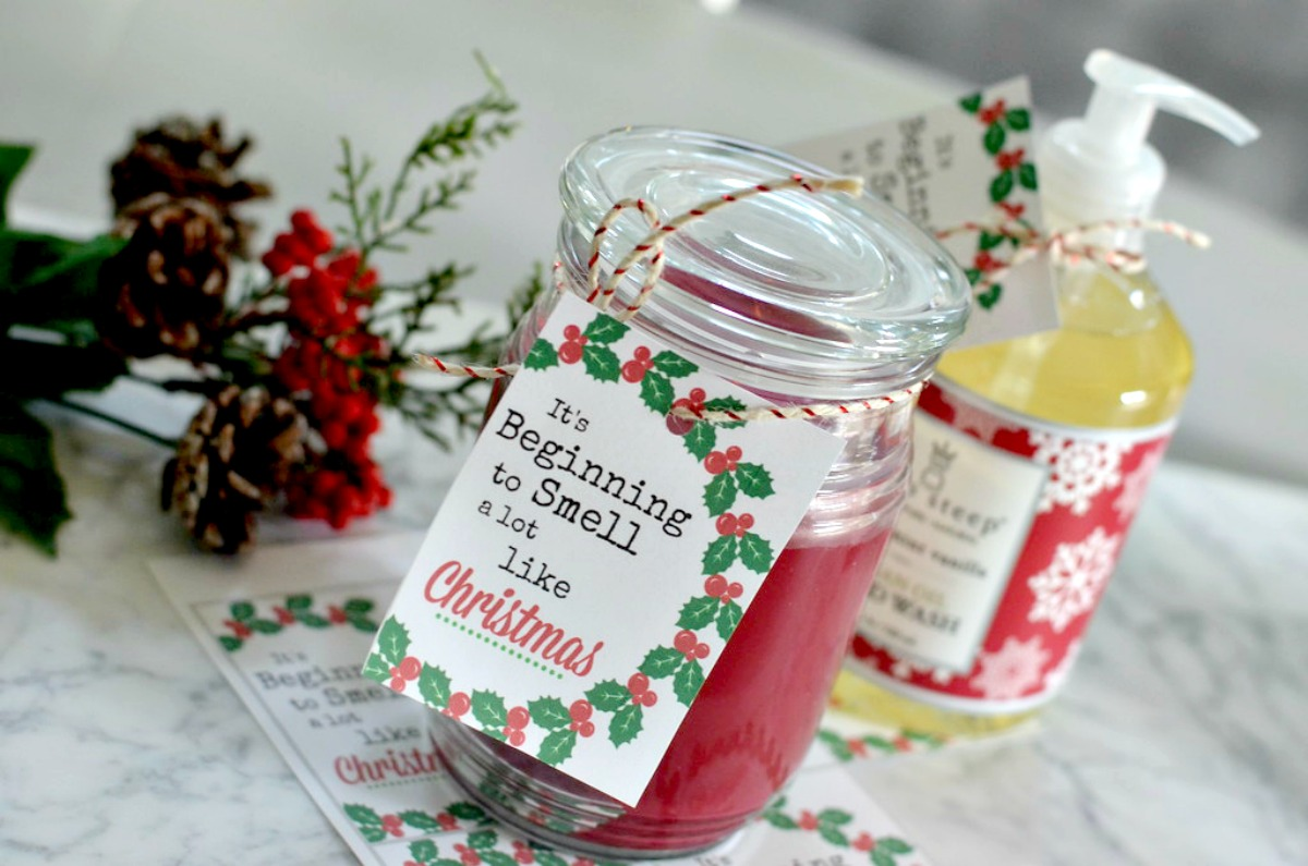candles with gift tags
