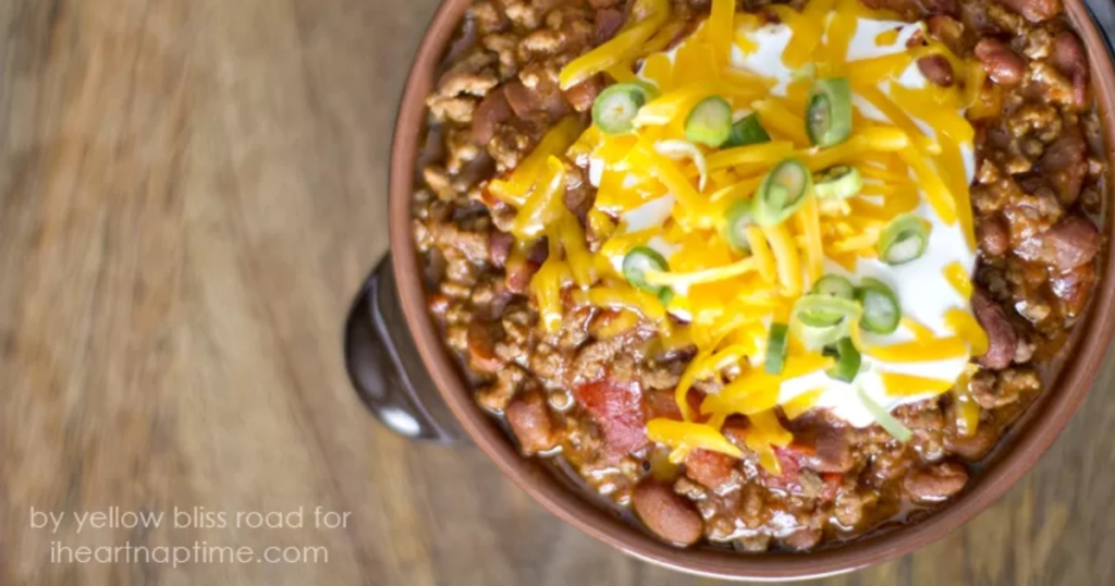 easy 3-ingredient slow cooker chili