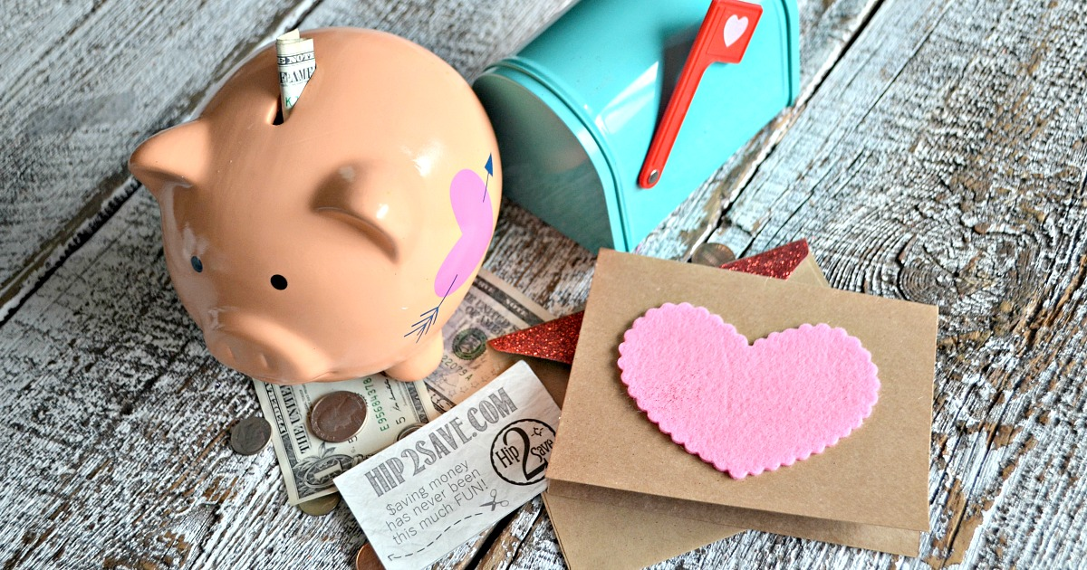 Hip2Save piggy bank and money
