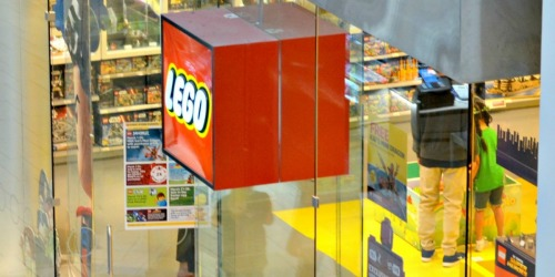 LEGO Store: Register Online NOW for Free Baby Chicken Mini Model Build (April 4th and 5th)
