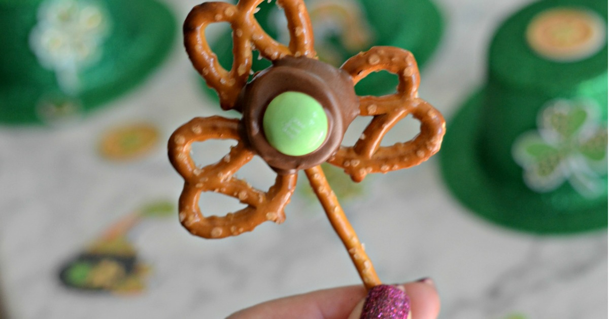 Easy Shamrock Pretzel closeup