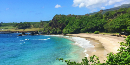 Hawaii is Offering Free Round Trip Tickets to Remote Workers Interested in Temporary Residency