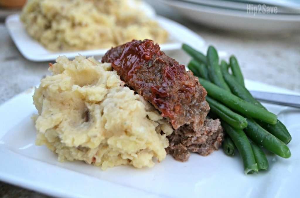plate with meatloaf, mashed potatoes, and green beans