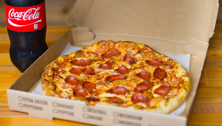 13 tips for your great wolf lodge vacation   pizza and soda