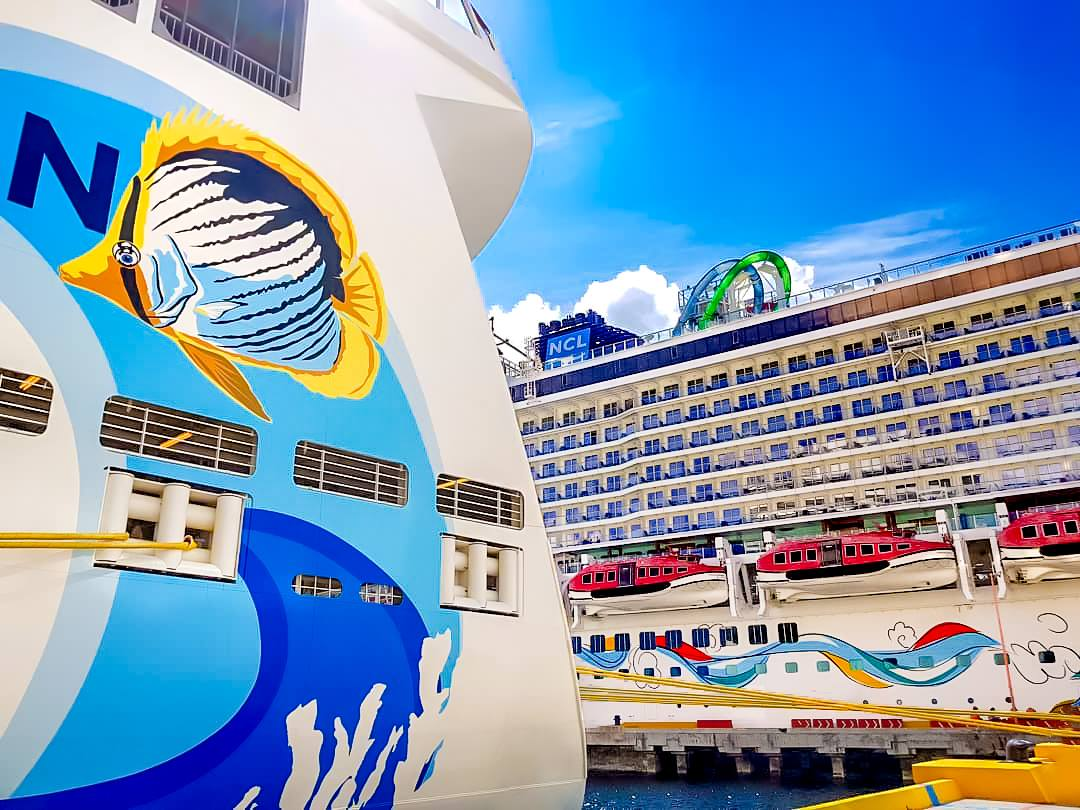 25 Tips to Save BIG on Your Next Cruise - book a cruise through a travel agency