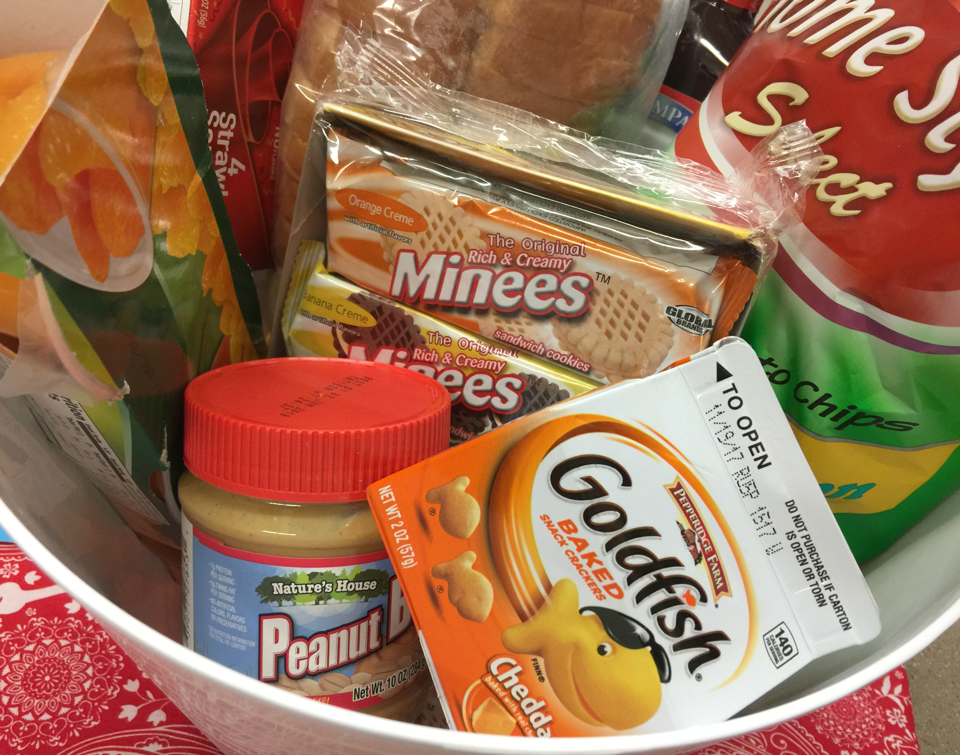 Dollar Tree Back to School hacks – organize lunch foods in easy to find containers
