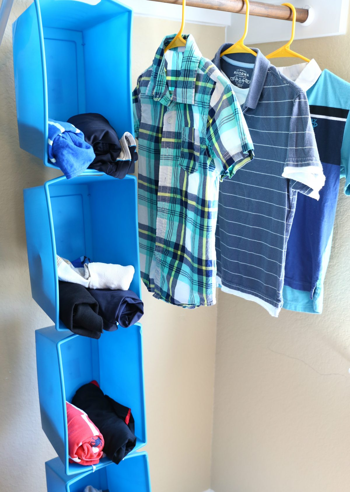 Dollar Tree Back to School hacks – clothes organizer