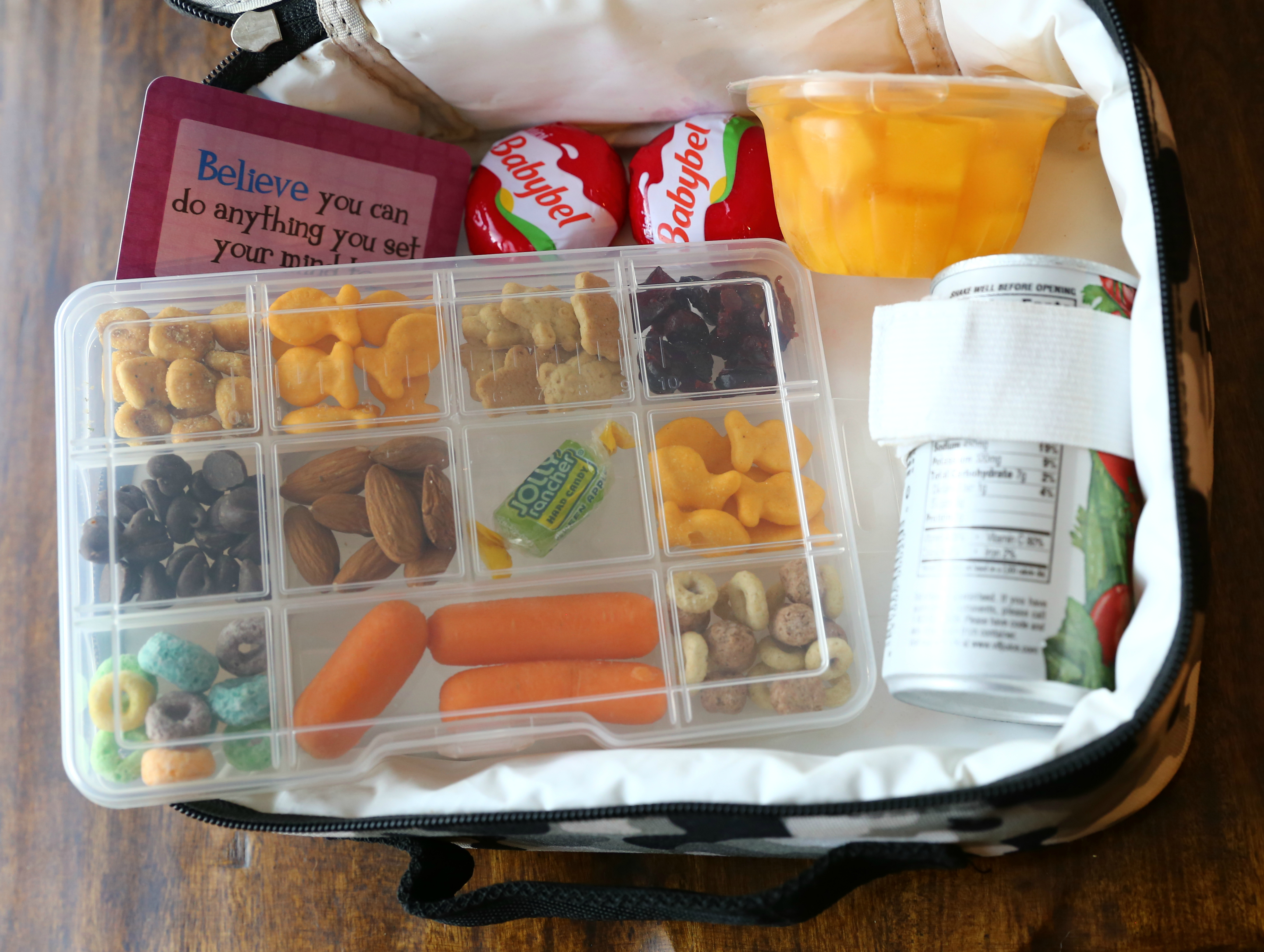 Dollar Tree Back to School hacks – an organizer that fits in a lunchbox