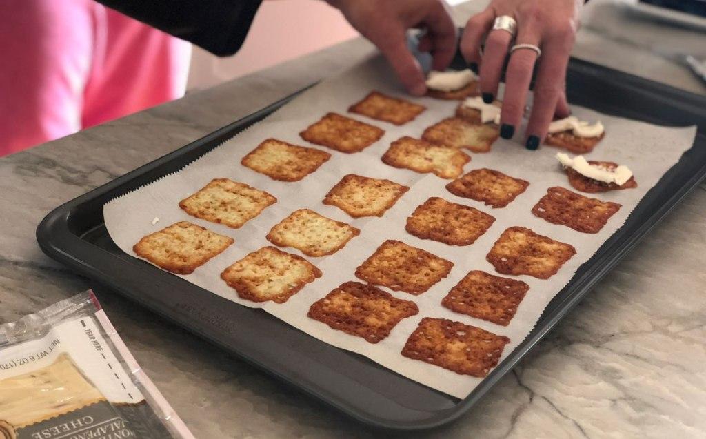 easy-cheese-crisps