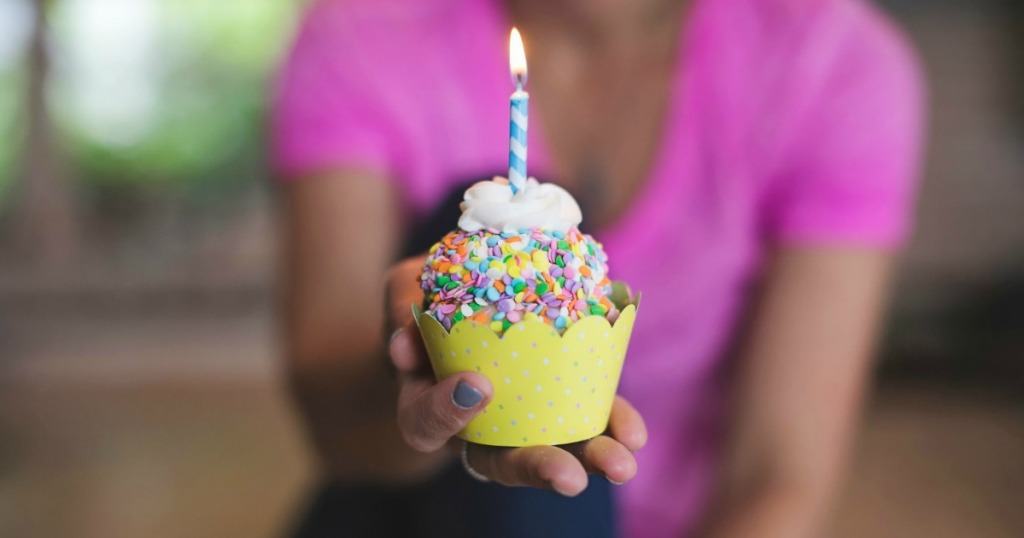And Barnes Noble Offers A Free Birthday Cupcake In Store For Kids Club Members