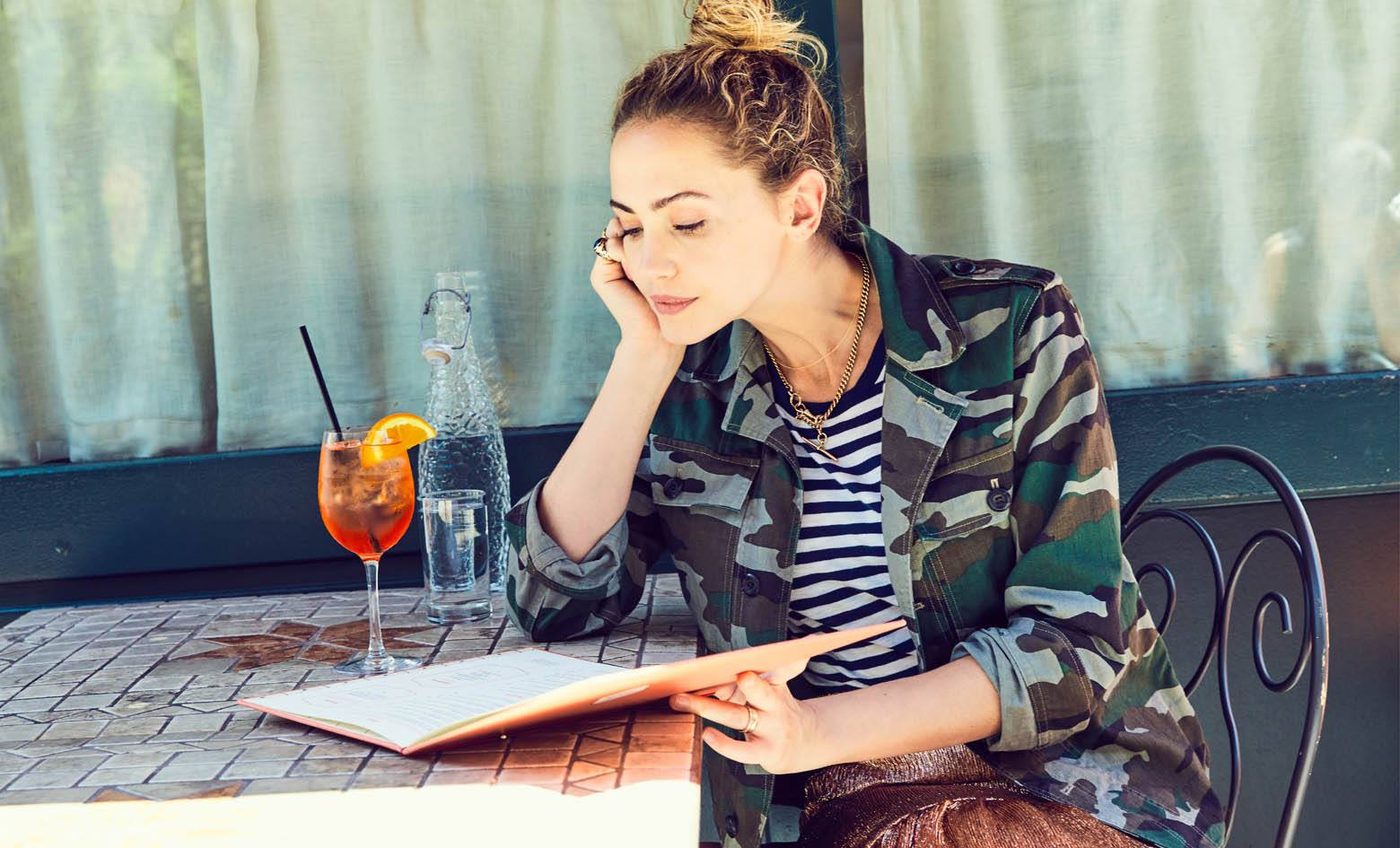 22 college student discounts & freebies – woman reading a book