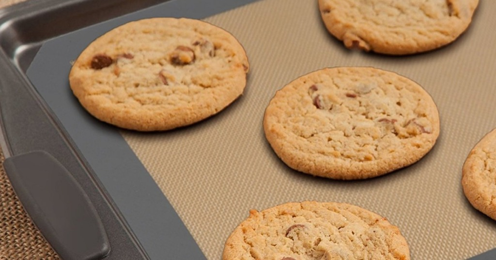 Amazon Basics Silicone Baking Mats