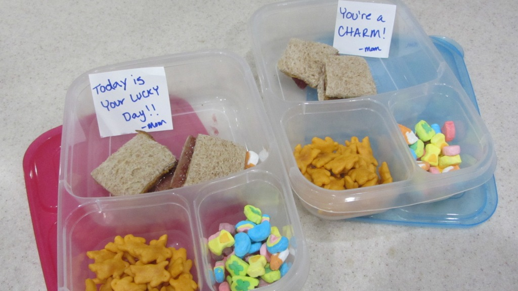 notes in kids lunch meals