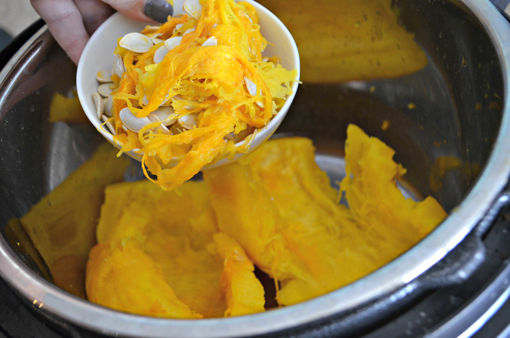 taking pumpkin guts and seeds out of instant pot