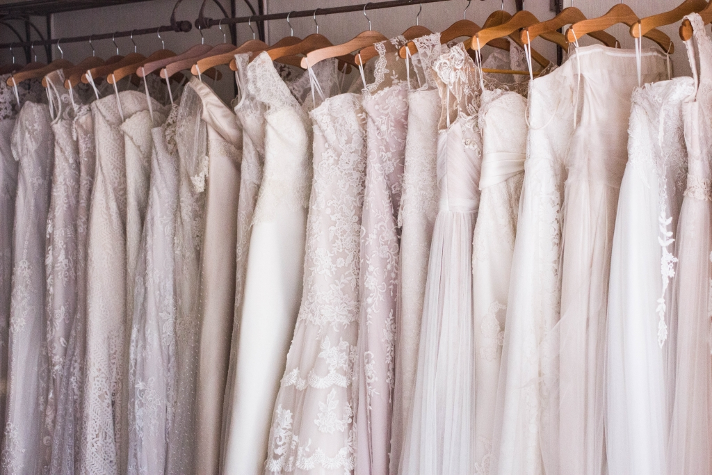 Tj Maxx Wedding.Planning A Wedding On A Budget Save On Bridal Dresses At T J Maxx