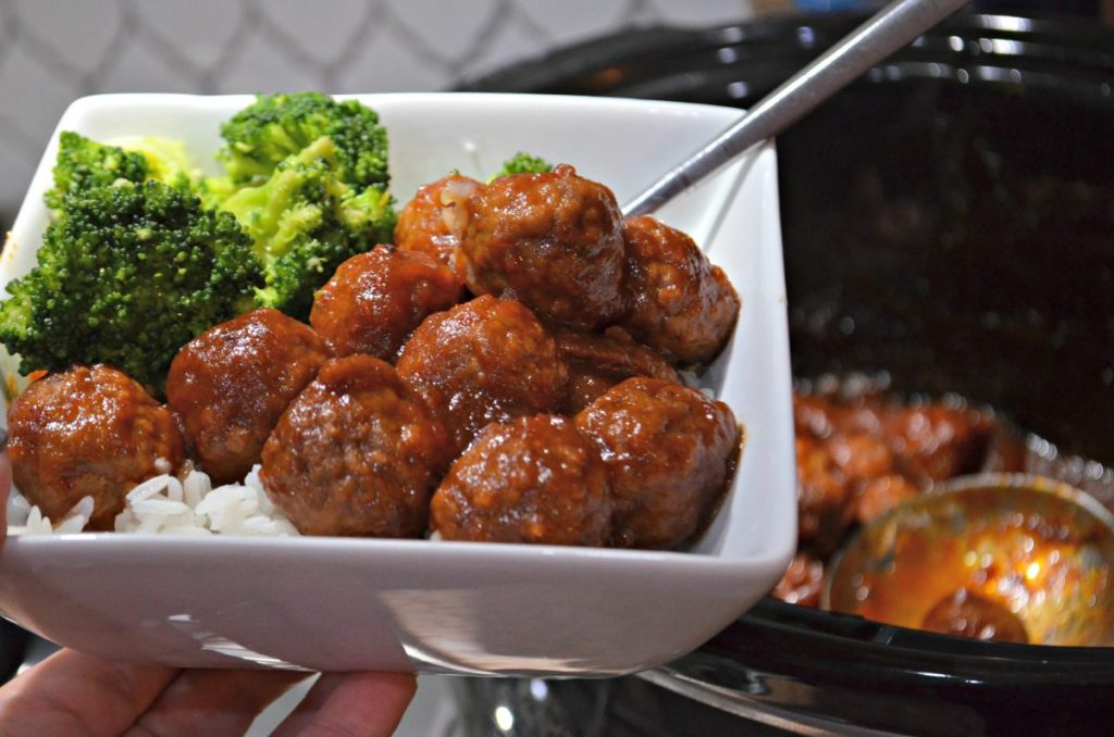bowl of easy crockpot recipe meatballs and broccoli