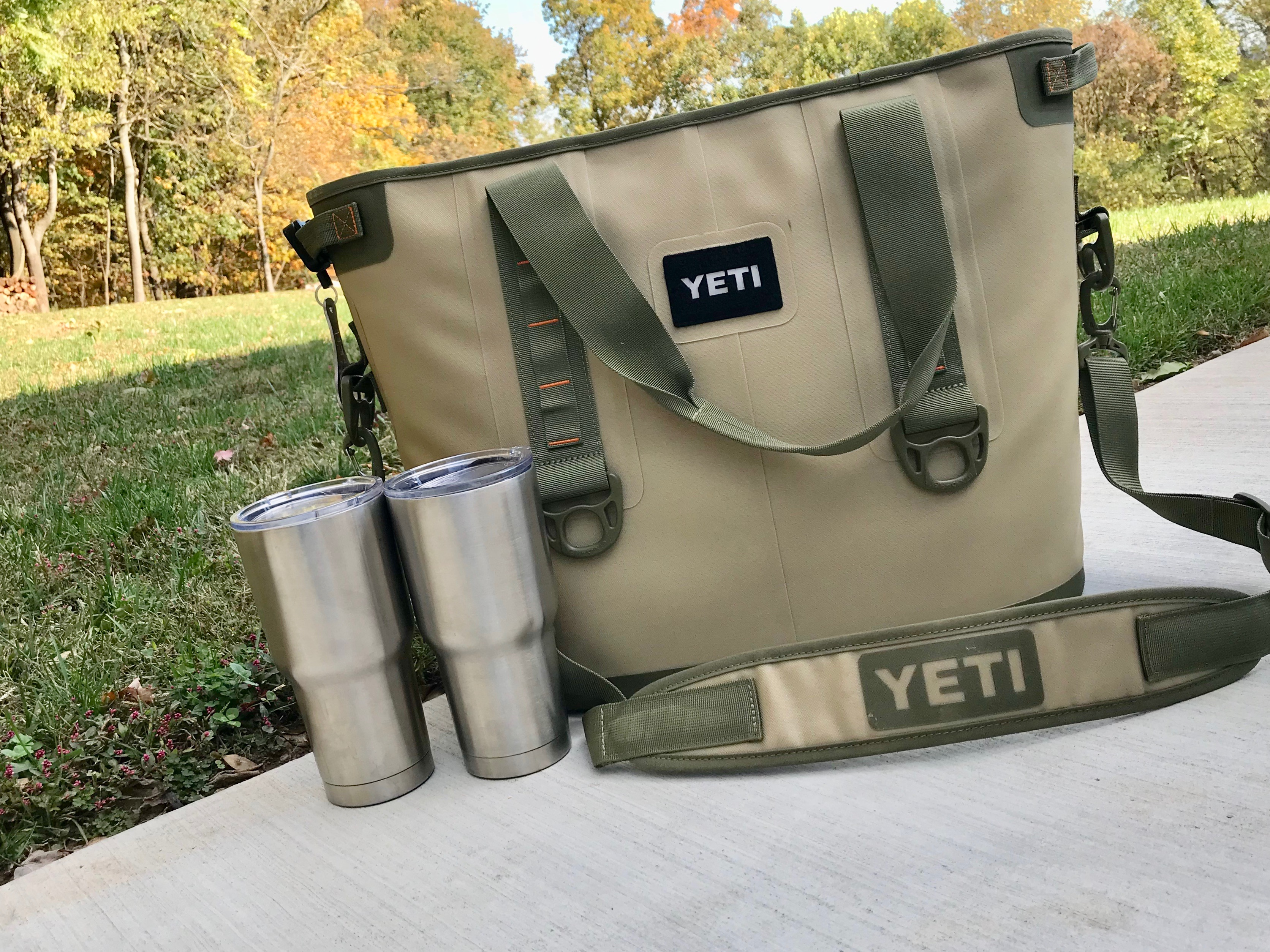 YETI Bundle with tote and insulated cups