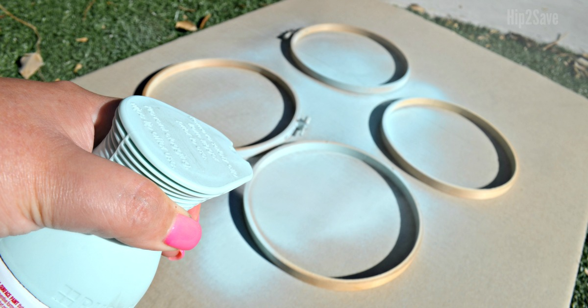 diy farmhouse style orbs using embroidery hoops – spray painting the embroidery hoops