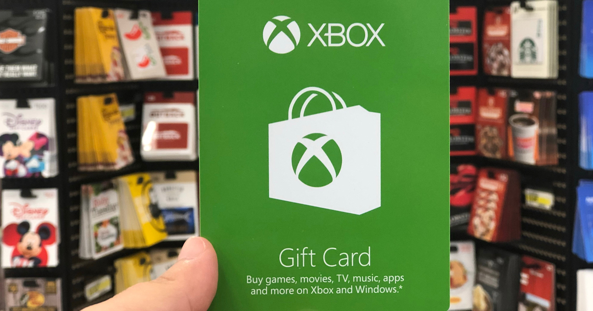 hand holding xbox gift card