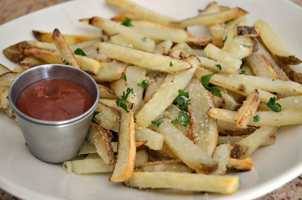 Serve your french fries with ketchup, fry sauce, or ranch dressing.