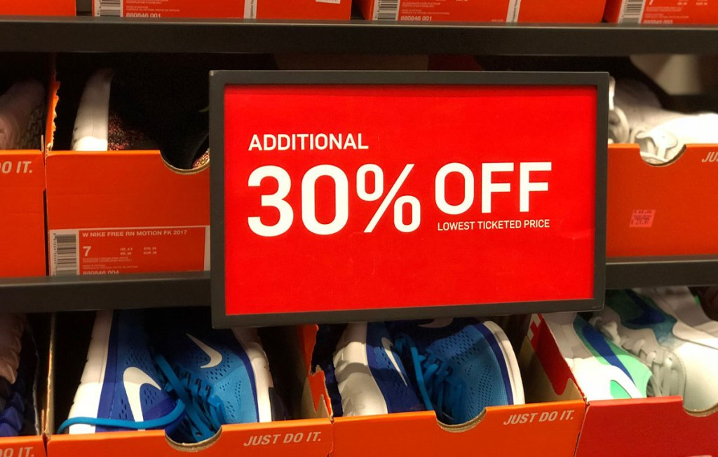 cheap for discount 8444a b09ef Extra 30% Off Clearance at Nike Outlet Locations (In-Store ...