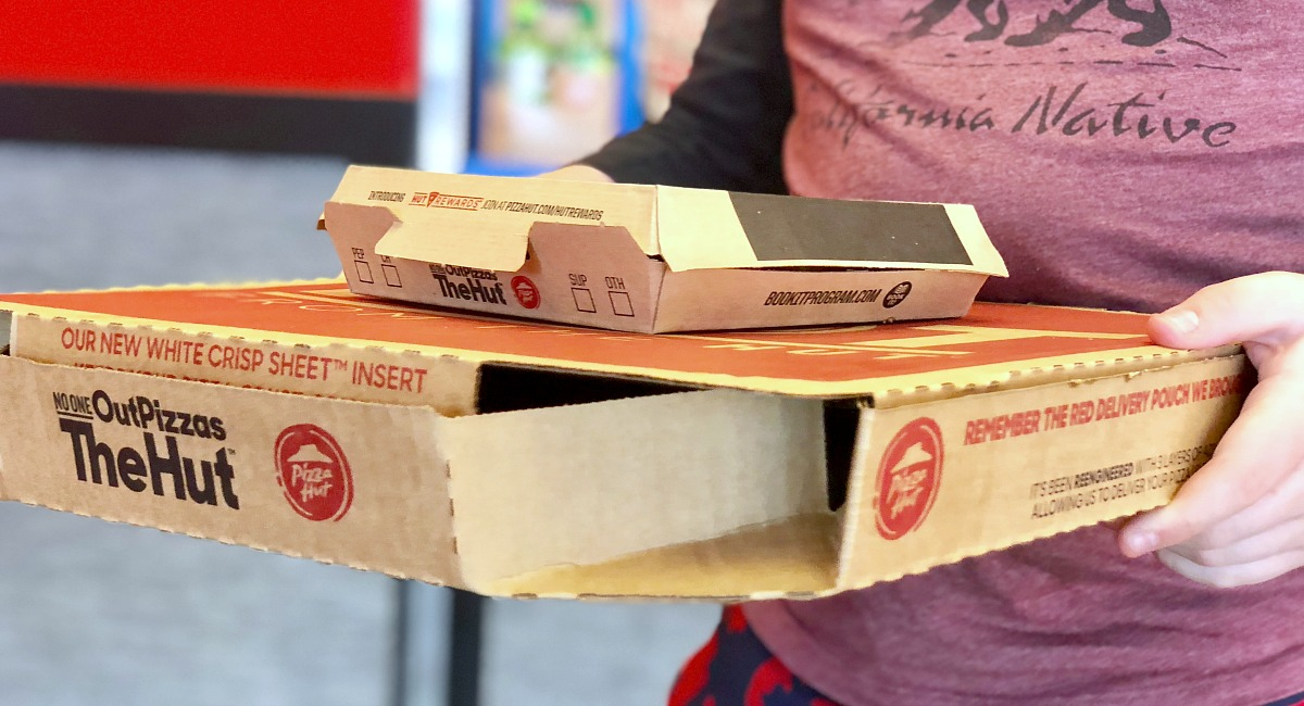 takeout delivery boxes from Pizza Hut