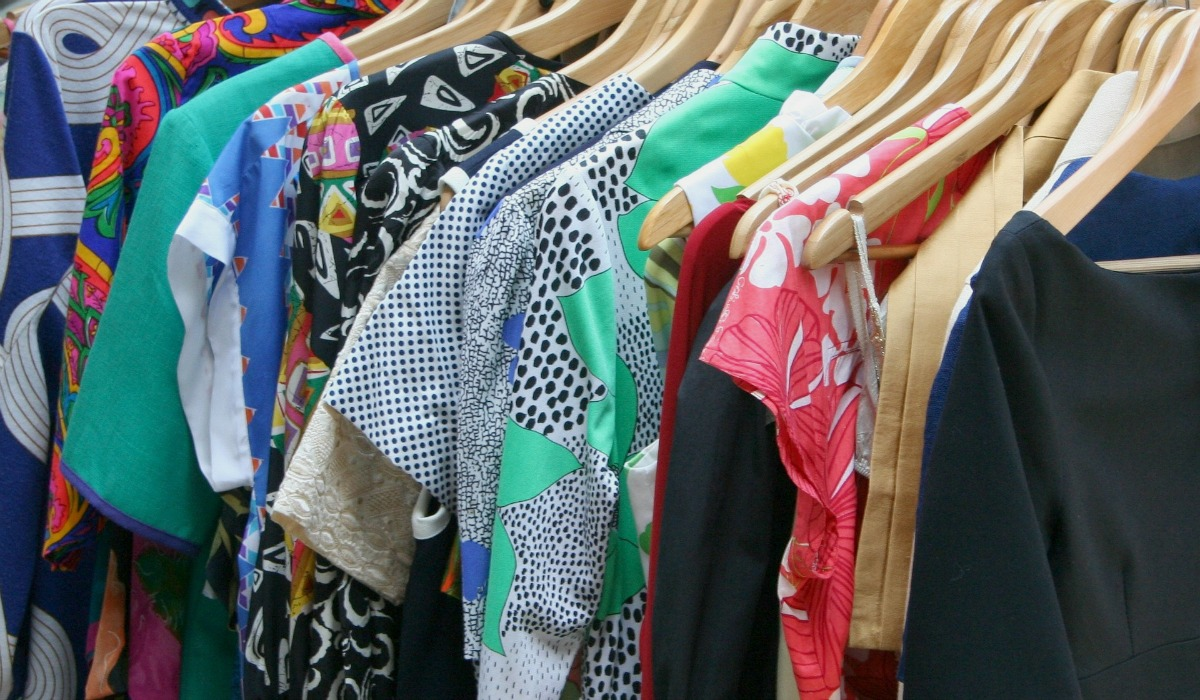 sell or trade clothes from your closet