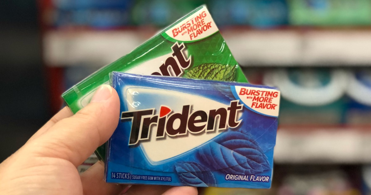 hand holding trident gum