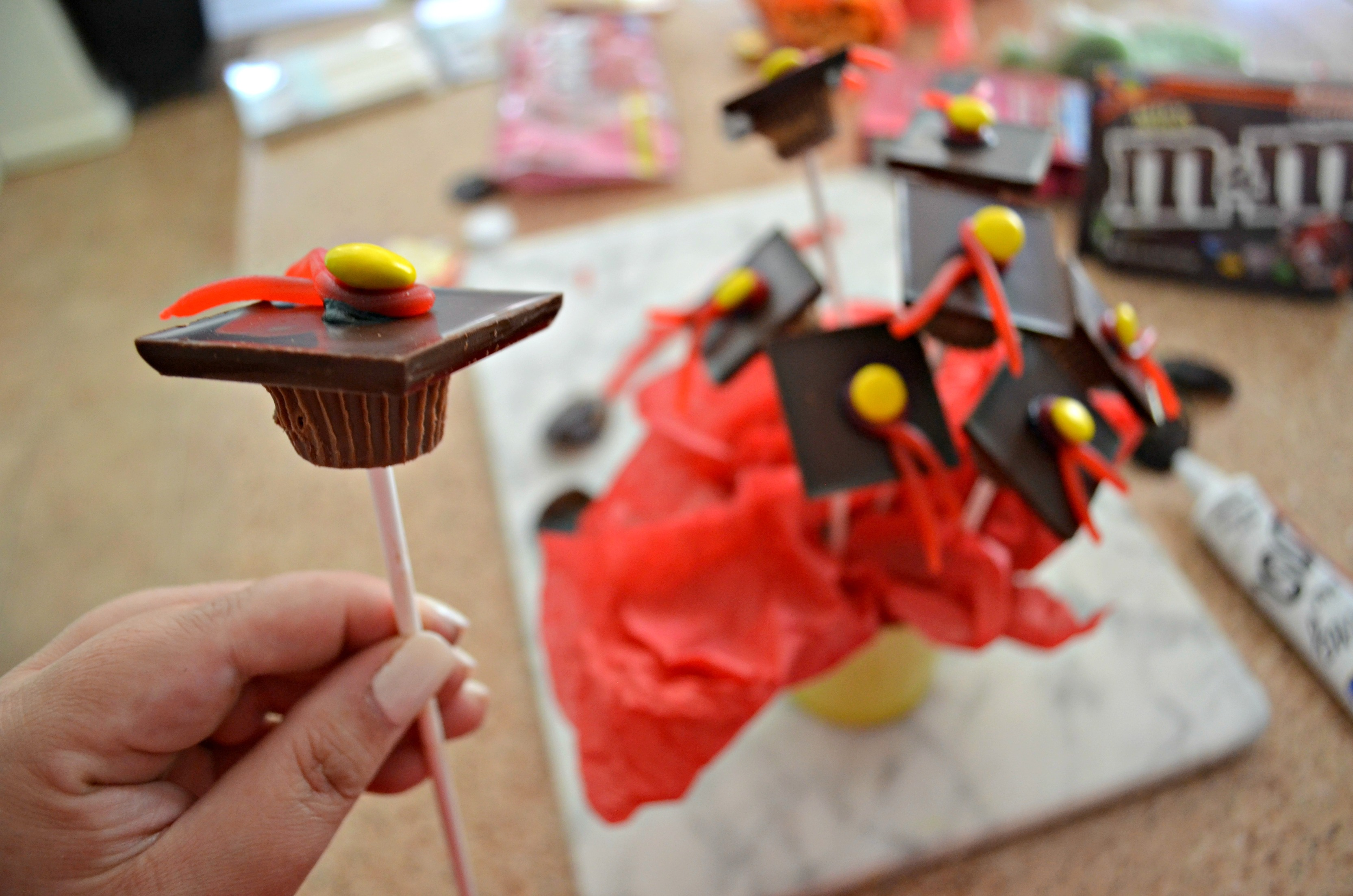 You Ve Gotta Make These Easy Graduation Cap Party Treats Hip2save