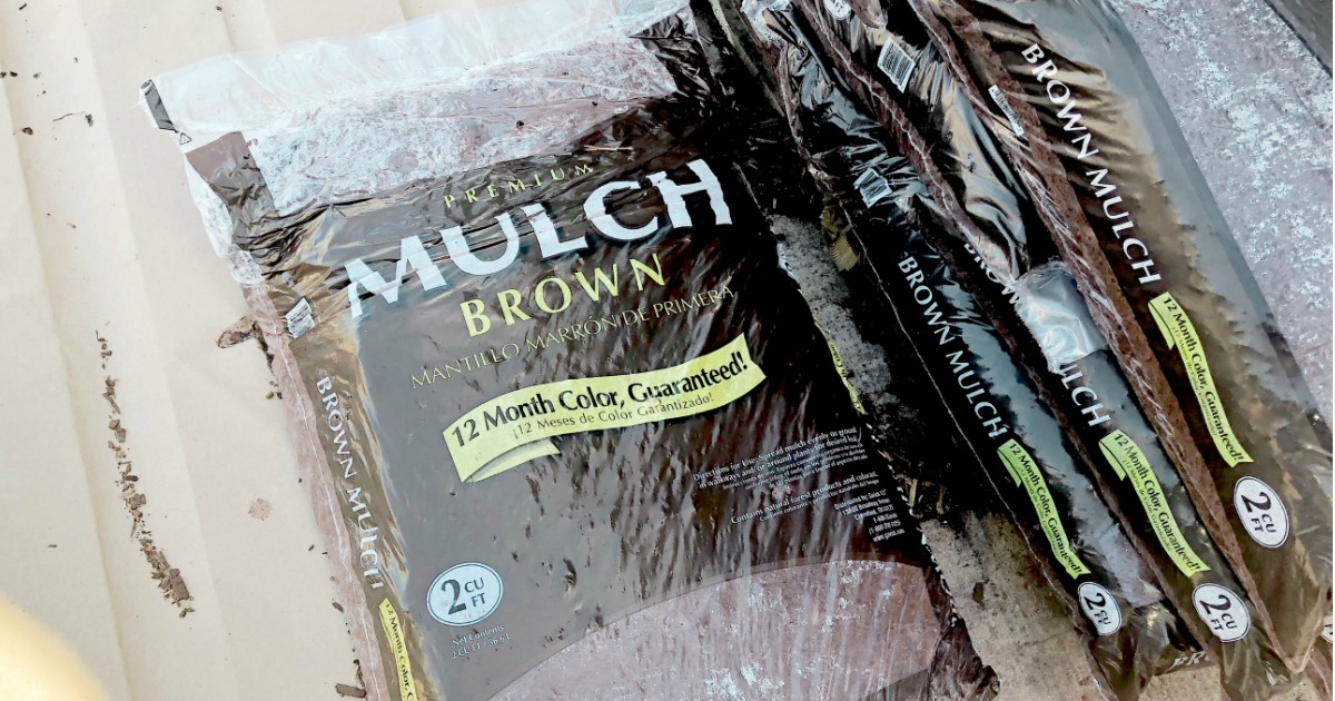 Lowe's brown mulch on pallets