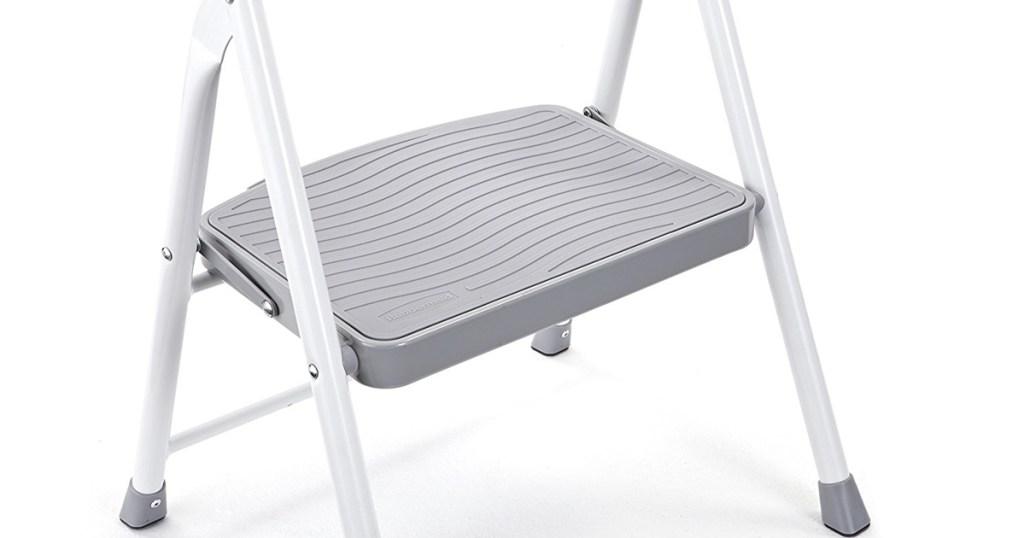 Admirable Rubbermaid Step Stool Only 11 34 Shipped More Hip2Save Inzonedesignstudio Interior Chair Design Inzonedesignstudiocom