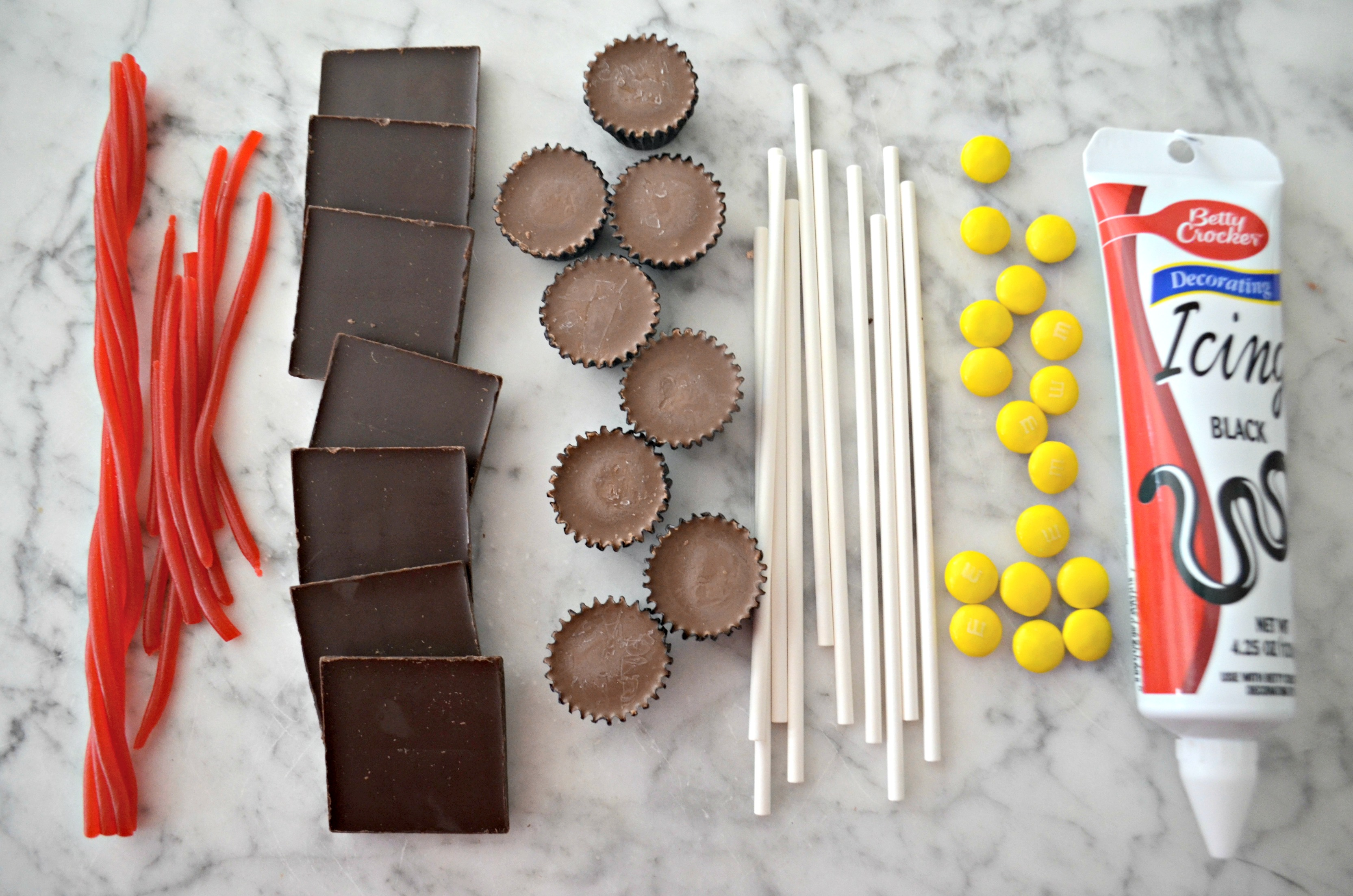 You only need six things to make these easy graduation cap party treats.