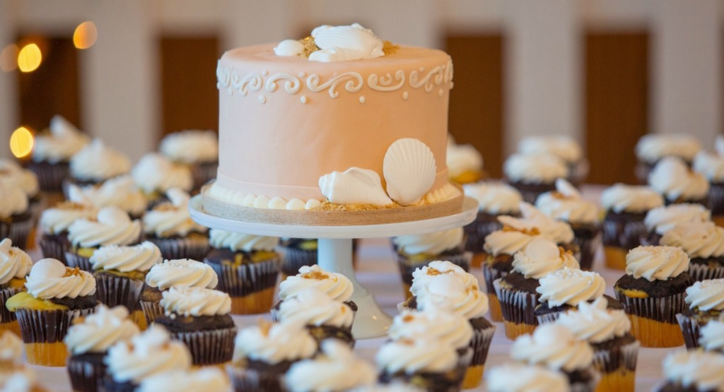 budget wedding tips - don't get a massive traditional wedding cake