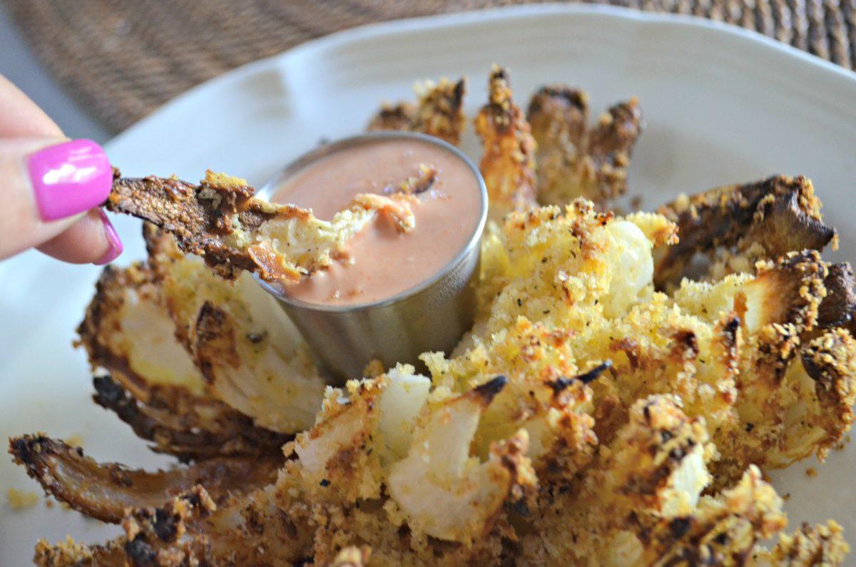 easy air fryer blooming onion